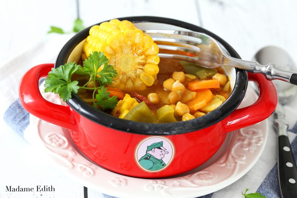 Zupa z kukurdzą i ciecierzycą