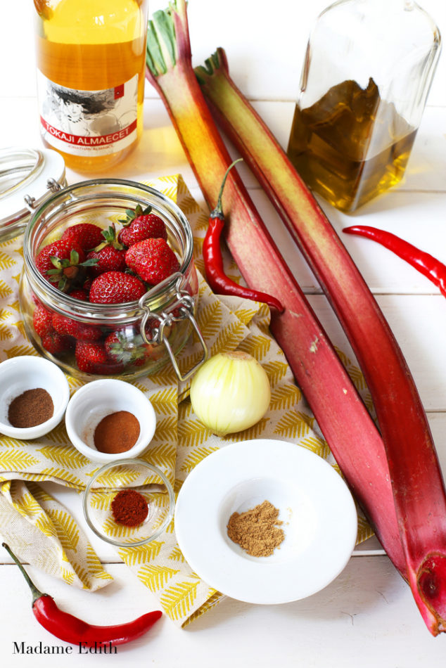 chutney z rabarbaru i truskawek 4