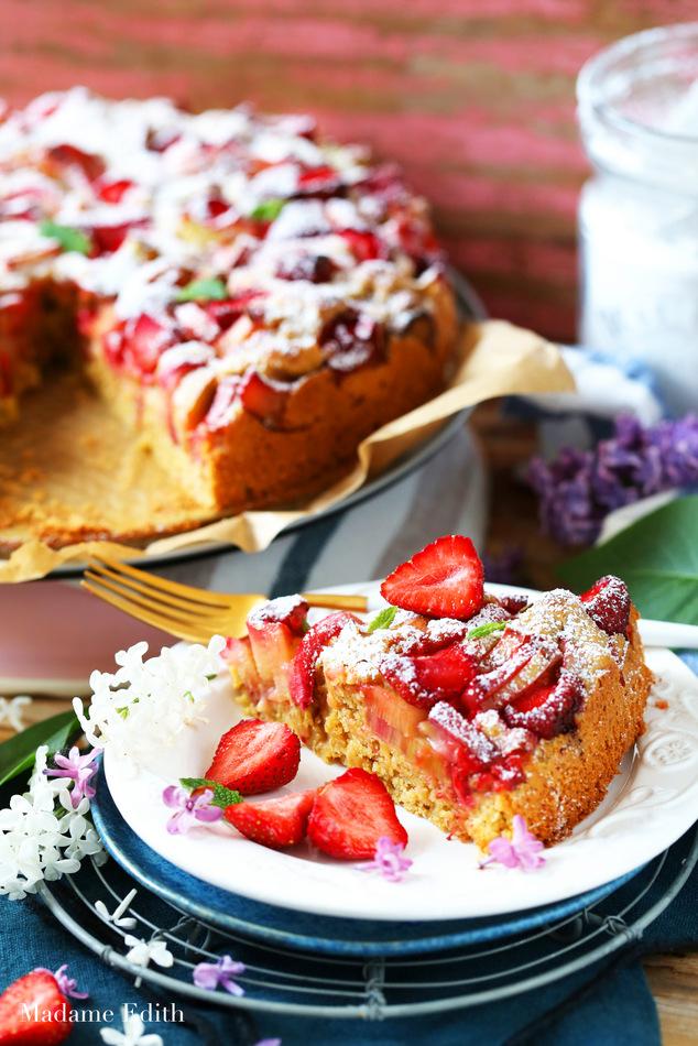 ciasto drożdżowe z rabarbarem i truskawkami 7