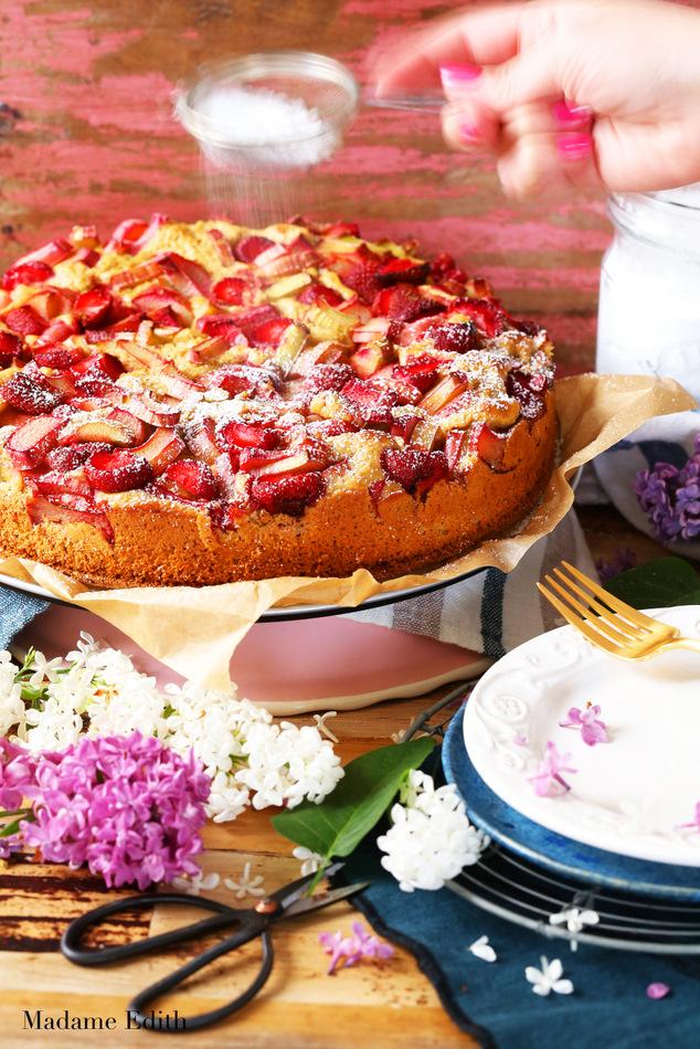 ciasto drożdżowe z rabarbarem i truskawkami 3