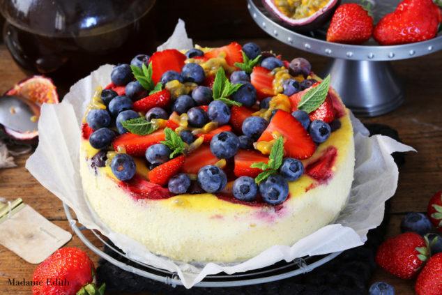 sernik z ricotta i owocami 1