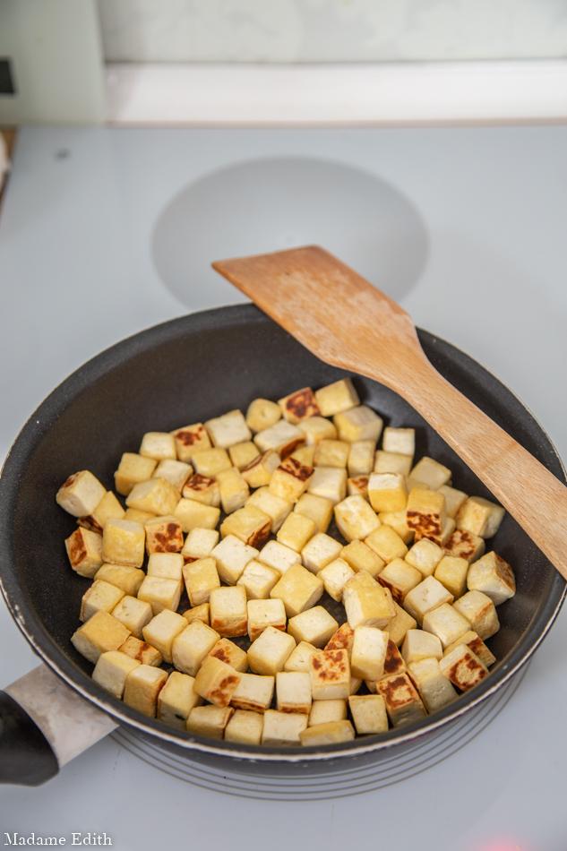 makaron z sosem orzechowym