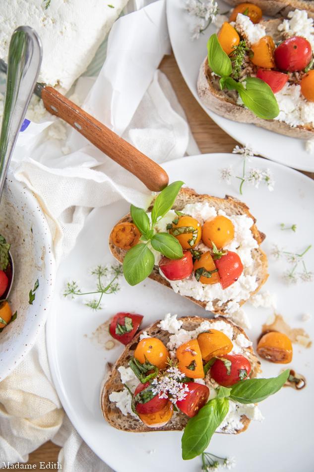 Kanapka z serem białym