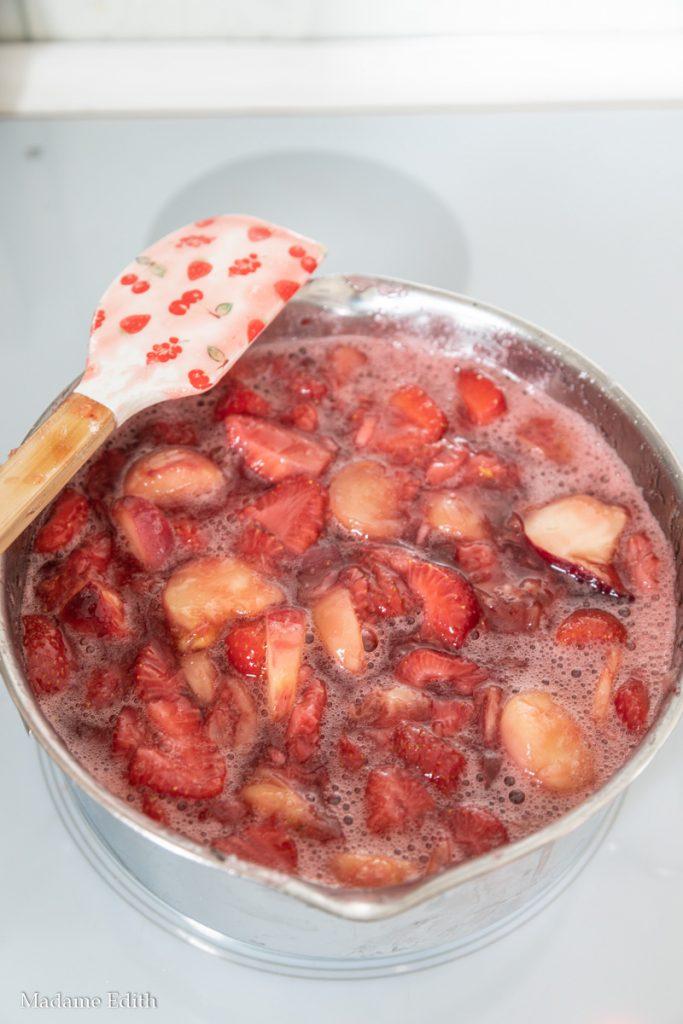 Dżem z brzoskwiń i truskawek