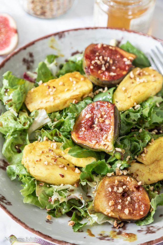 Salatka z halloumi i figami