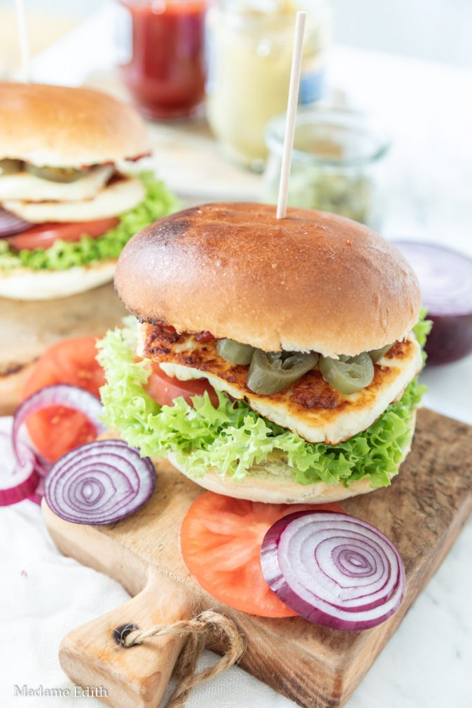 Burger z halloumi